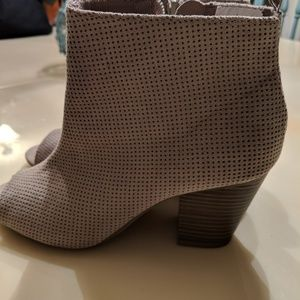 Shoes - Old Navy open toe boots size 7